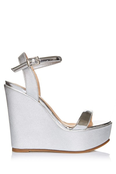 Wedge Sandals With Lacquered Leather Upper