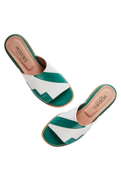 Flat Slides With Geometric Upper