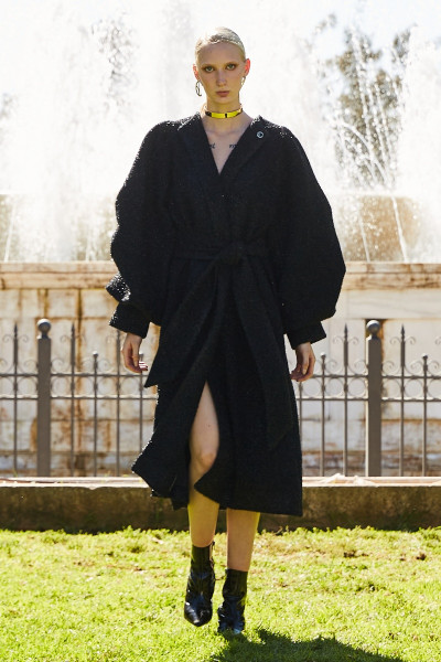Καρό Γούνινο Παλτό Με Λάμψεις Και Εντυπωσιακά Μανίκια