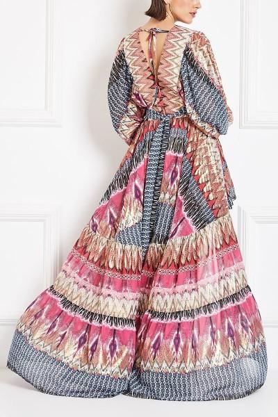 Μακρυμάνικο Μακρύ Gypsy Φόρεμα Με Φούστα Με Πιέτες Και Βαθύ Ντεκολτέ